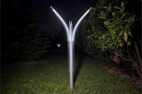 lampada-da-esterno-a-led-illuminazione-giardino-1024x696CBA4A991-0EA3-C14B-E38E-829B9856B530.jpg
